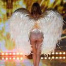 Doutzen Kroes 2014 Victorias Secret Fashion Show Runway In London