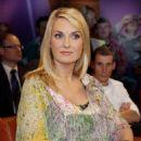 Britt Reinecke - NDR Talkshow - 2010-11-19 - 454 x 681