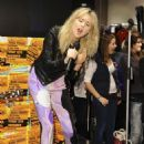 Diana Vickers - Performs at River Island in London - 12.11.2010