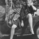 Gloria Grahame - 454 x 609