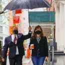 Jennifer Garner – Out on rainy day for shopping at Sarabeth's in New York