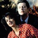 Gary Oldman and Annabella Sciorra