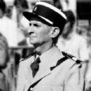 Louis de Funès - Le gendarme et les extra-terrestres - 428 x 654