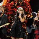 Martina McBride-November 10, 2011-Country Christmas - 454 x 314