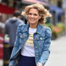 Charlotte Hawkins – Arriving at Classic FM Radio Show in London - 454 x 679