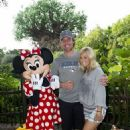 Carrie Underwood and her husband Mike Fisher at Disney's Animal Kingdom park (July 24) - 454 x 639