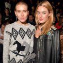 Camille Rowe – Christian Dior Fashion Show in Paris - 454 x 650