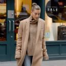 Hailey Baldwin – Out and about in New York