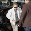 Gigi Hadid – Arrives at her hotel in Paris