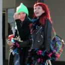 Bella Thorne – Exiting a Hair Salon Make Up Free With Sister Dani Thorne, Los Angeles 1/16/ 2017 - 454 x 681
