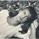 Catherine Spaak - Film Magazine Pictorial [Poland] (27 January 1963) - 454 x 388