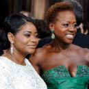 Octavia Spencer and Viola Davis At The 84th Annual Academy Awards (2012) - 454 x 359