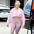 Jennifer Lopez – In pink leggings out in Miami