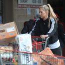 Anna Kournikova – Shopping at Costco in Miami - 454 x 681