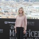 Michelle Pfeiffer – 'Maleficent: Mistress of Evil' Photocall in Rome - 454 x 681