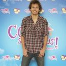 Andres Gil Present 'Consentidos' in Madrid - 386 x 594