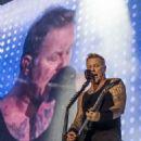 Metallica live at Parc Jean-Drapeau on July 19, 2017 - 454 x 529