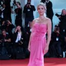 "Annabelle Wallis – ""Seberg"" Screening at the 76th Venice Film Festival in Venice, Italy - 454 x 681"