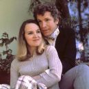 1973 Wayne Rogers at home with his then wife Mitzie - 387 x 391