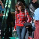 Zooey Deschanel Set Of New Girl In La