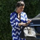 Kourtney Kardashian: stop by her mom's office in Los Angeles
