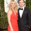 Claire Danes and Hugh Dancy At The 70th Annual Golden Globes (2013) - 290 x 580