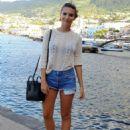 Emily Ratajkowski Arriving In Ischia