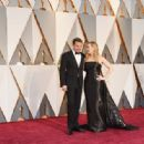 Leonardo DiCaprio and Kate Winslet At The 88th Annual Academy Awards (2016) - Arrivals - 454 x 316