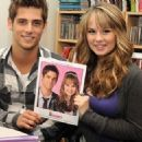 debby ryan and jean-luc bilodeau Buddies frontières - 397 x 325