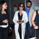 Susan Sarandon Arriving at Airport in Nice - 454 x 712