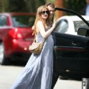 Isla Fisher Shows Off A Baby Bump In L.A., 2010-04-17