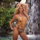 Kim Basinger - 454 x 450