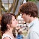 Selena Gomez as Beezus and Hutch Dano as Henry Huggins in RAMONA & BEEZUS.