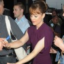 """Rachel McAdams Visits The """"The Daily Show With Jon Stewart"""" In New York City, 14-08-09"""