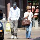 Rachel Bilson And Hayden Christensen Shopping At Best Buy 2007-09-26