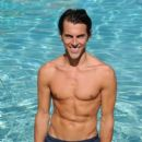 Madison Hildebrand - 395 x 527
