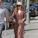 Amy Adams in Long Dress Shopping in Los Angeles - 454 x 602