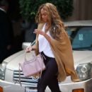 Tyra Banks – Grabs Some Lunch at Montage in Beverly Hills - 454 x 681
