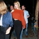 Taylor Swift spotted out in New York City Friday, October 14, 2016 - 454 x 681