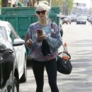 Ashlee Simpson Leaves a gym in Studio City - 454 x 654