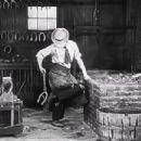 The Blacksmith - Buster Keaton - 454 x 348