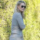 Molly Sims – Out in Brentwood - 454 x 681