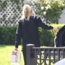 Dakota Fanning – Spotted while taking beer in Los Angeles - 454 x 494