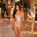 Shanina Shaik – 2018 Victoria's Secret Fashion Show Runway in NY - 454 x 681