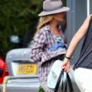Kate Moss Boards A Private Jet Out Of Luton Airport, England 2008-06-11