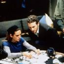 Jennifer Connelly and The Diretor Darren Aronofsky in Requiem For a Dream - Behind The Scenes (2000) - 454 x 292