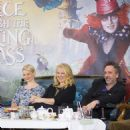Alice Through the Looking Glass (2016) - 454 x 466