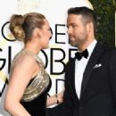 Ryan Reynolds and Blake Lively : 74th Annual Golden Globe Awards - 454 x 331