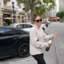 Jennifer Lopez – hits the gym in Los Angeles
