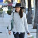 Selma Blair is seen out shopping for groceries in Studio City, California on January 21, 2017 - 454 x 523